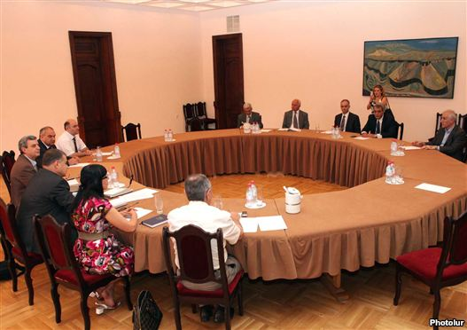 Armenia - Representatives of a ruling bloc and a antithesis Armenian National Congress reason a third turn of negotiations, 4Aug2011.