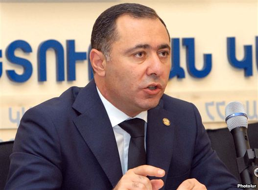 Armenia - Labor and Social Affairs Minister Artur Grigorian binds a news conference, 25Jul2011.
