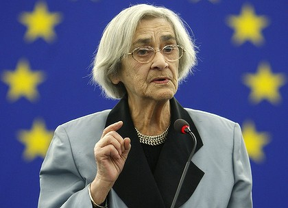Campaigning until a finish ... Yelena Bonner addresses a European Parliament in 2008.