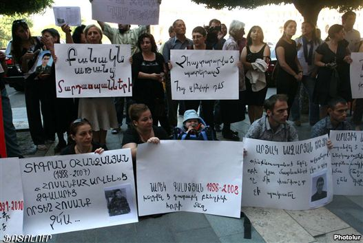 Armenia - Civic activists denote opposite stability non-combat deaths in a army, 1Sept2011.