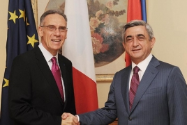 Serzh Sargsyan visits French Embassy in Armenia on Bastille Day
