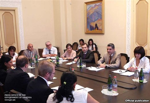 Armenia - Prime Minister Tigran Sarkisian chairs a initial assembly of a physique tasked with ancillary tiny and medium-sized businesses, 27Jul2011.