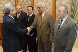 Armenian President says Diaspora doctors' team-work essential