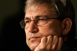Orhan Pamuk in adore with an Armenian?